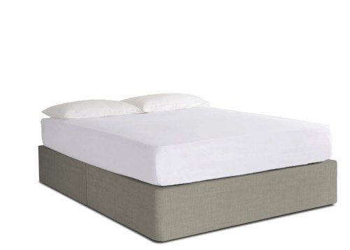 Upholstered king size divan bed button sprung for Sprung base divan bed with storage